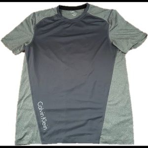Calvin Klein lightweight comfy Dri fit t shirt
